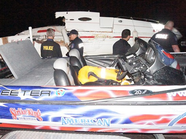 boat crash on Lake Conroe July 2014