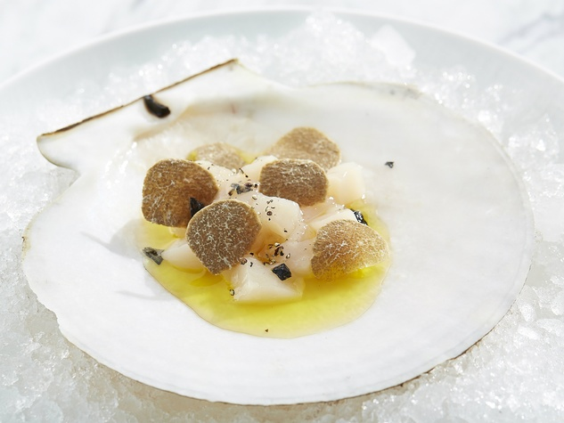 Live scallop and truffles at Spoon restaurant in Dallas