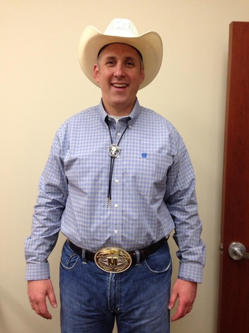 Go Texan Day February 2014 man with big belt buckle