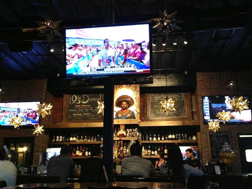 Pistolero's bar with people