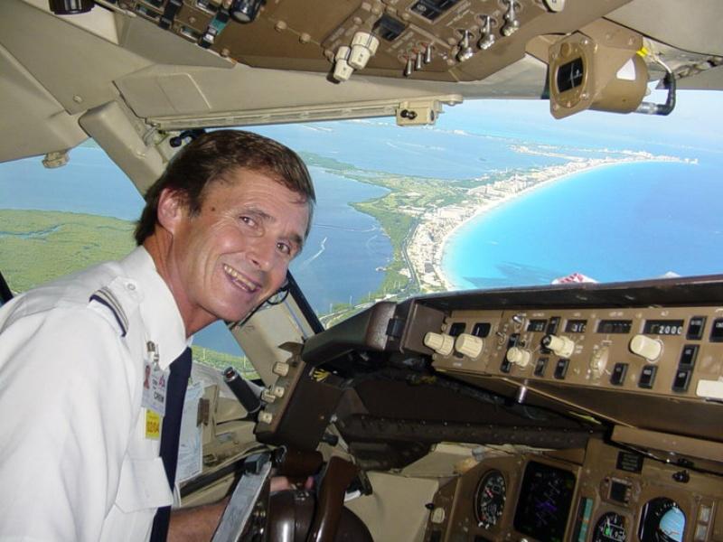 do pilots and flight attendants hook up