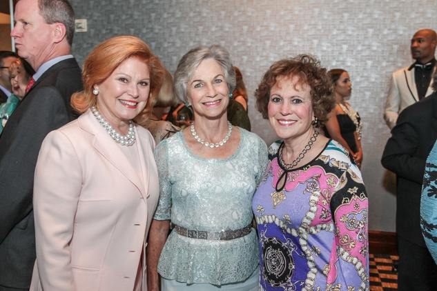 Jan Duncan, from left, Anne Mendelsohn and Regina Rogers at the Interfaith Ministries Tapestry Gala May 2014