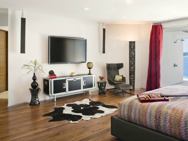 Austin house home Acqua Villa Winn Wittman Lake Travis 14515 Ridgetop Terrace 78732 bedroom