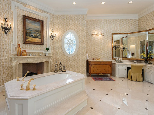 Bathroom at 5139 Seneca in Dallas