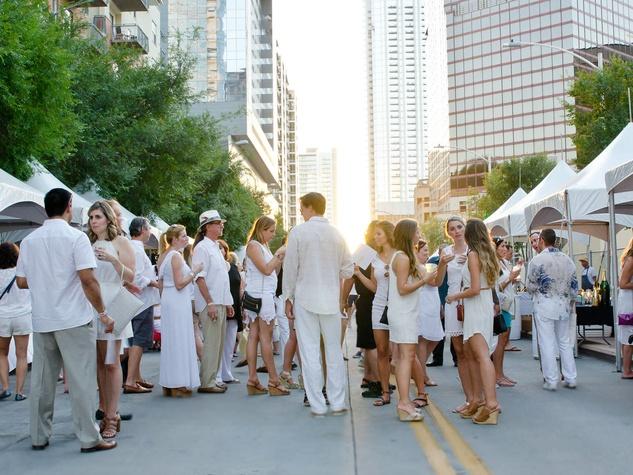 2nd Street District White Linen Night 2016 crowd