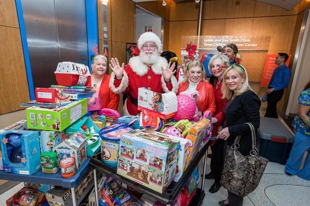 14 Santa at Texas Children's Hospital December 2013