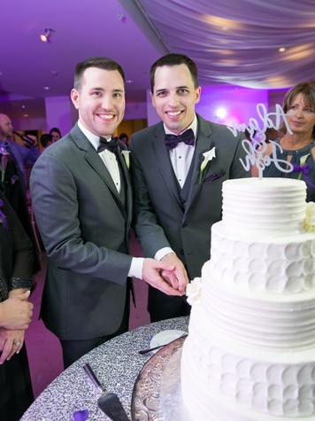 Upshaw wedding, cake cutting