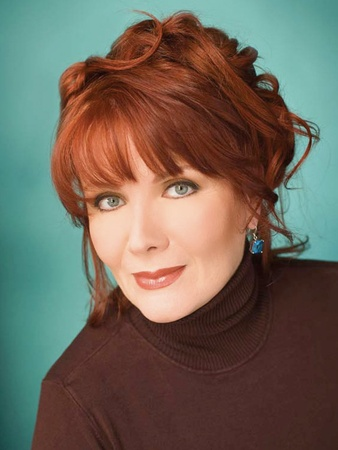 Maureen McGovern, head shot