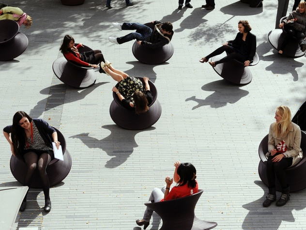 Thomas Heatherwick's Spun chairs
