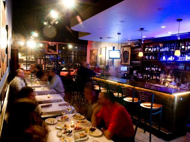 Oporto Cafe Houston interior with customers