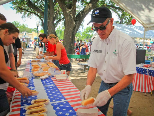 League City League City Park Fourth of July hot dog stand