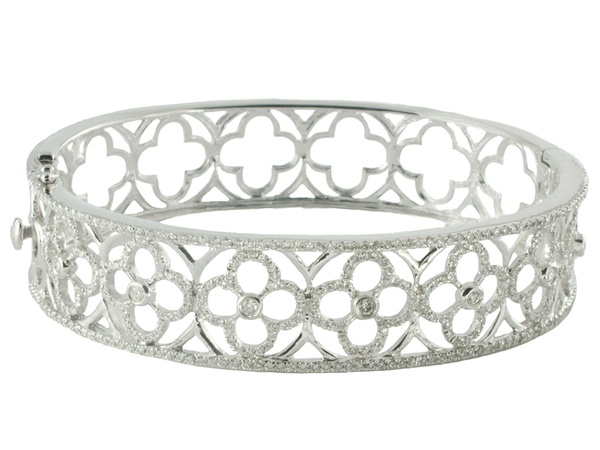 News_Katie Decker_Quatrefoil Bracelet