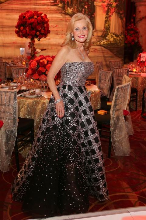 News, Shelby, HGO ball gowns, April 2015,Shelby Hodge, Pat Breen, Oscar de la Renta