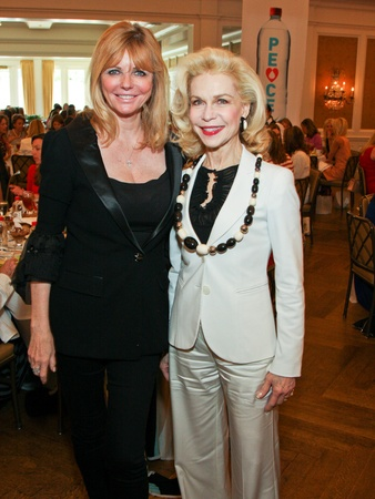News_&#39;80s Supermodels luncheon_April 2012_Cheryl Tiegs_Lynn Wyatt