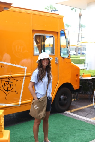 Mail woman at Veuve Clicquot at Brasserie 19