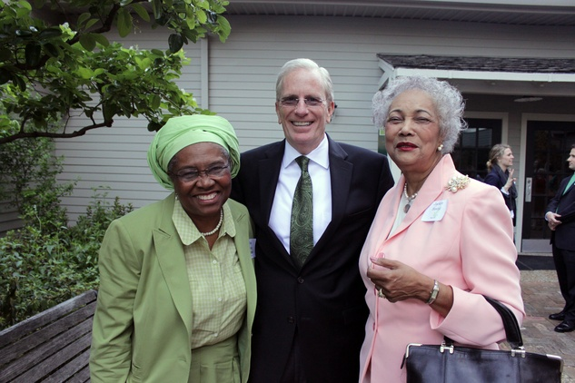 3413 Martha Goddard, from left, Joe Turner and Jackie Bostic at the Houston Heritage Society luncheon April 2014