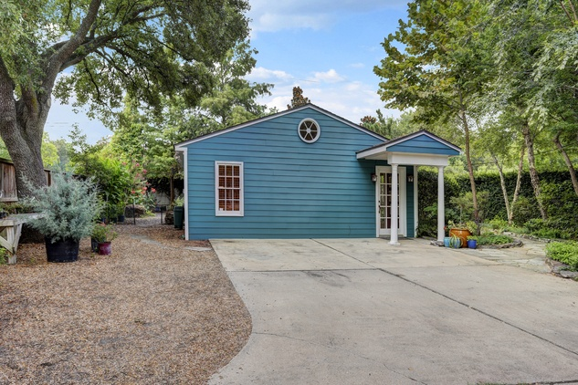 31 On the Market 4826 Palmetto July 2014