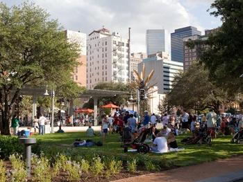 Market Square Park, skyline