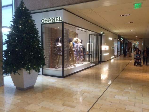 Chanel store exterior in Houston Galleria
