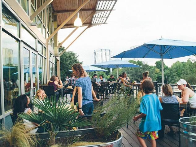 Alta's Cafe exterior