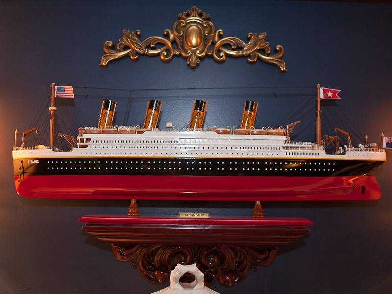 News_Mark Hanna_Titanic dinner_April 2012_model_boat