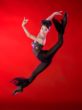 Nancy, dance photography, October 2012, Nozomi Iijima, Houston Ballet, in a studio moment from Divergence