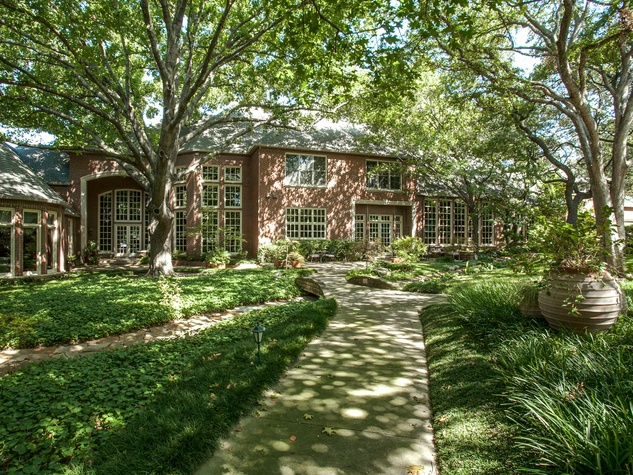 9246 Sunny Brook Front