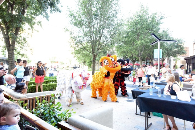 News, Shelby, Curry Crawl , June 2015, Lion Dancers in CITYCENTRE Courtyard