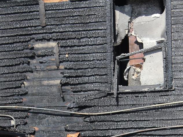 News_Dolce Vita_fire_charred wall
