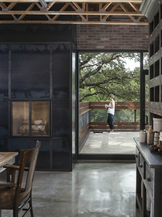 AIA Austin Homes Tour 2015 Dick Clark + Associates The Renner Project kitchen interior