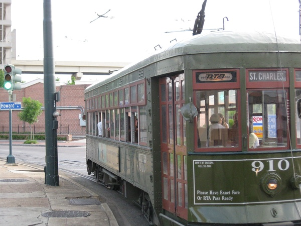 News_Peter Barnes_New Orleans_trolley