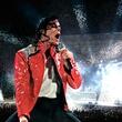 News_Michael Jackson_red jacket_concert