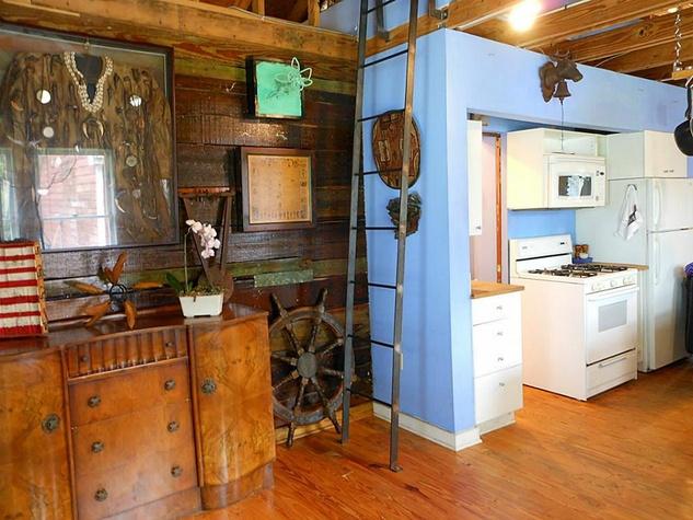 ladder 4739 Buck home