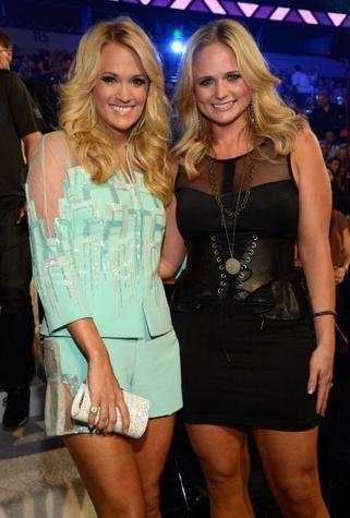 Miranda Lambert wearing Lauren Craft jewelry at the CMT Music Awards June 2013