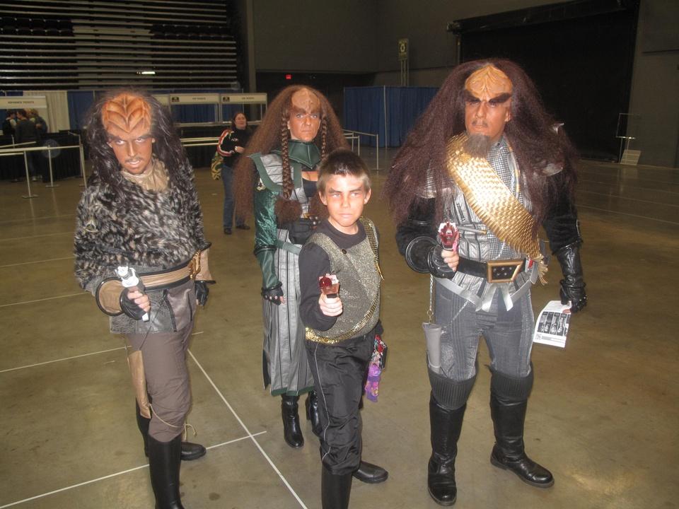 Austin Photo_Events_Comic Con_Klingon Family