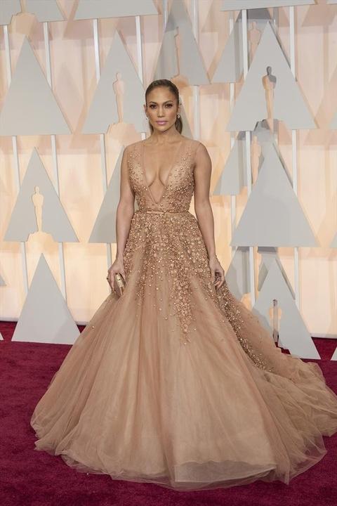 Jennifer Lopez on the red carpet at the Oscars