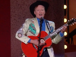 Conan O'Brien trashes Houston in song