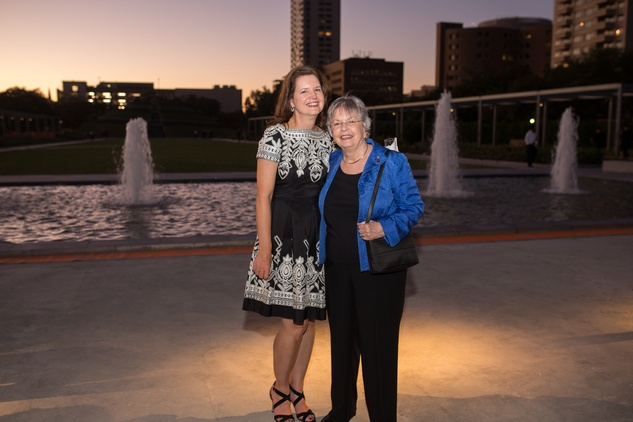 8 Doreen Stoller, left, and Kathrine McGovern at the Hermann Park Centennial Gardens inaugural dinner October 2014
