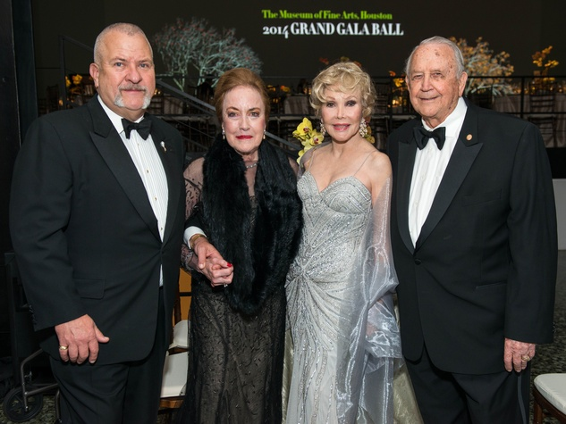 6 Jeff Bradley, from left, Sue Fondren Whitfield, Joanne King Herring and Jim Nelson at the MFAH Grand Gala October 2014