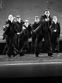 News_Nancy Wozny_Dance Week_Aszure Barton_Artists_Busk