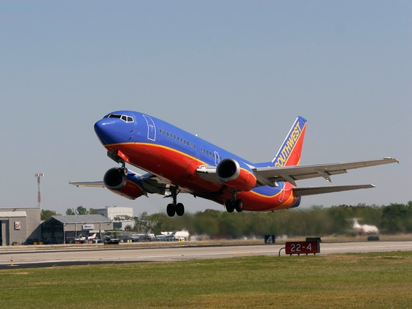 News_Hobby Airport_Southwest Airlines_take off