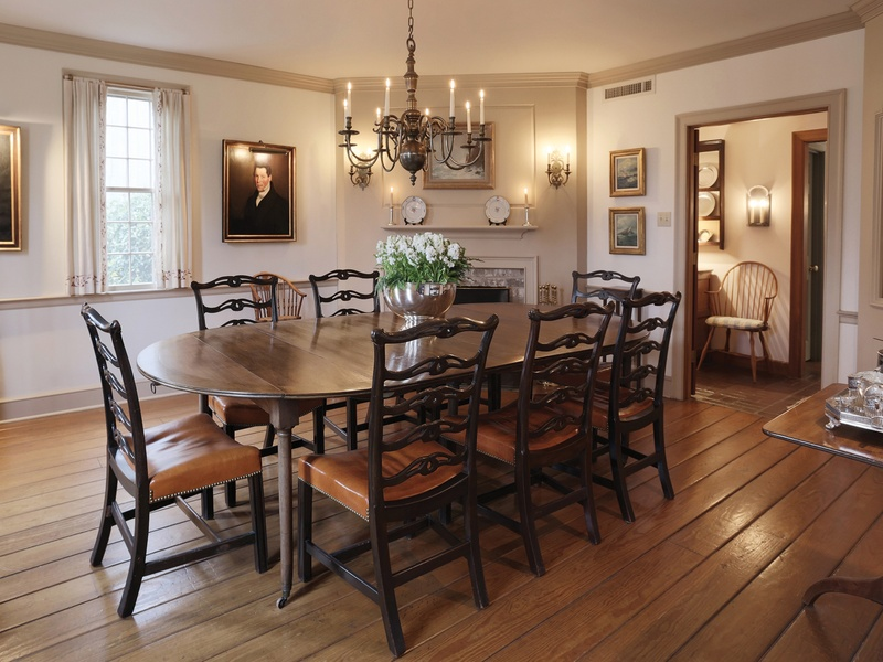 surprising new england style living room | A traditional New England style home in a surprising ...