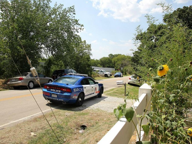 police, Garden of Eden in Arlington
