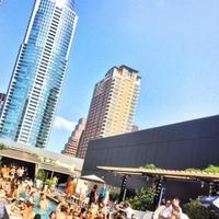 The W Austin_pool_party_2014