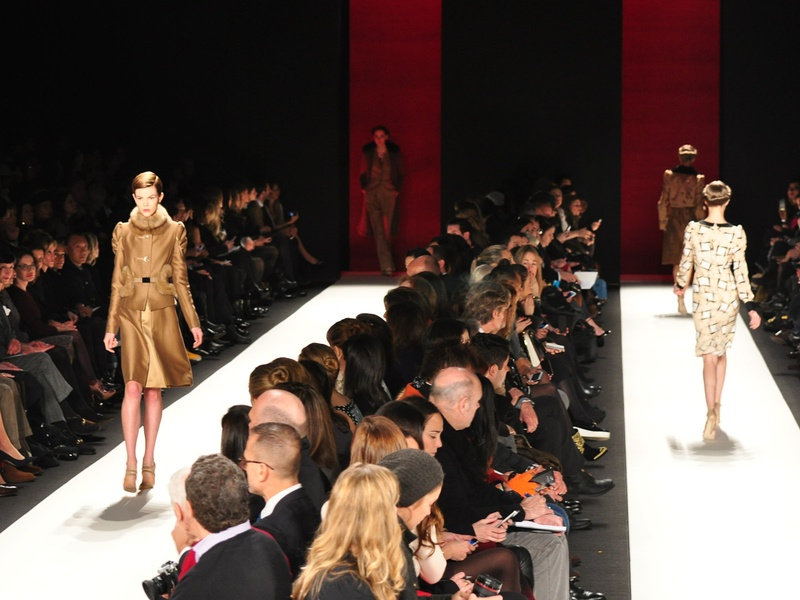 Fashion Week fall 2013, Carolina Herrera, runway with models, crowd