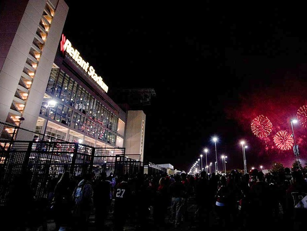 Meineke Car Care Bowl, Reliant Stadium, fireworks
