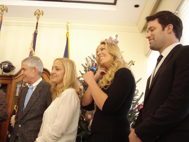 Points of Light Jim Mattress Mack McIngvale Family