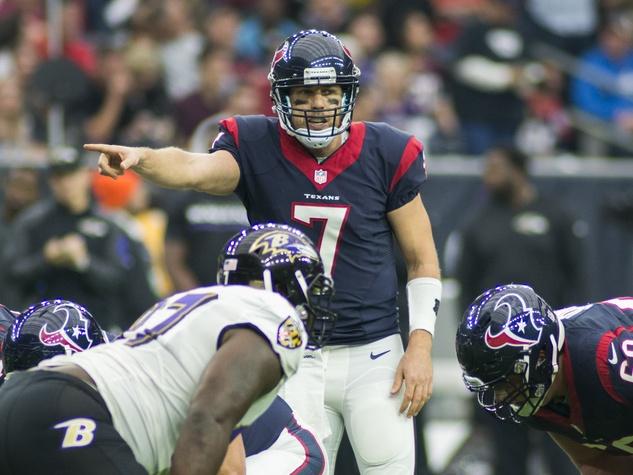 Case Keenum Ravens finger point Texans