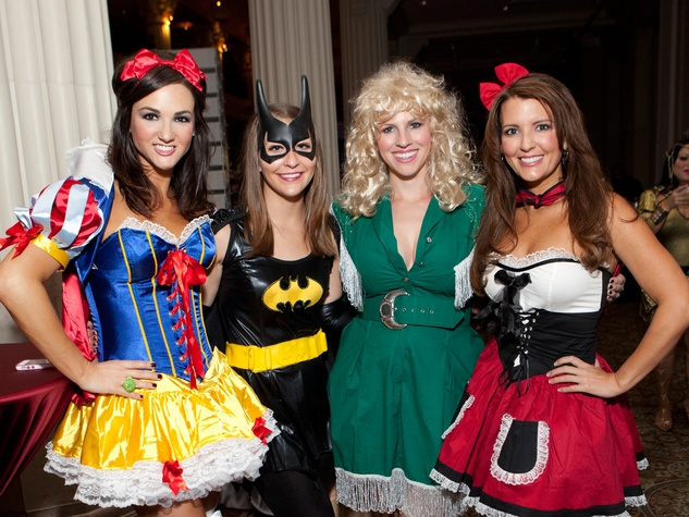 4 Jenny Barnes, from left, Madison Shofner, Erin Upton and Heather Noah at the Easter Seals: The Bash October 2013