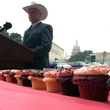 Agriculture Commissioner Sid Miller cupcakes